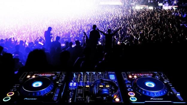 DJ Lessons in Traktor, Serato and Rekordbox from Discosapien